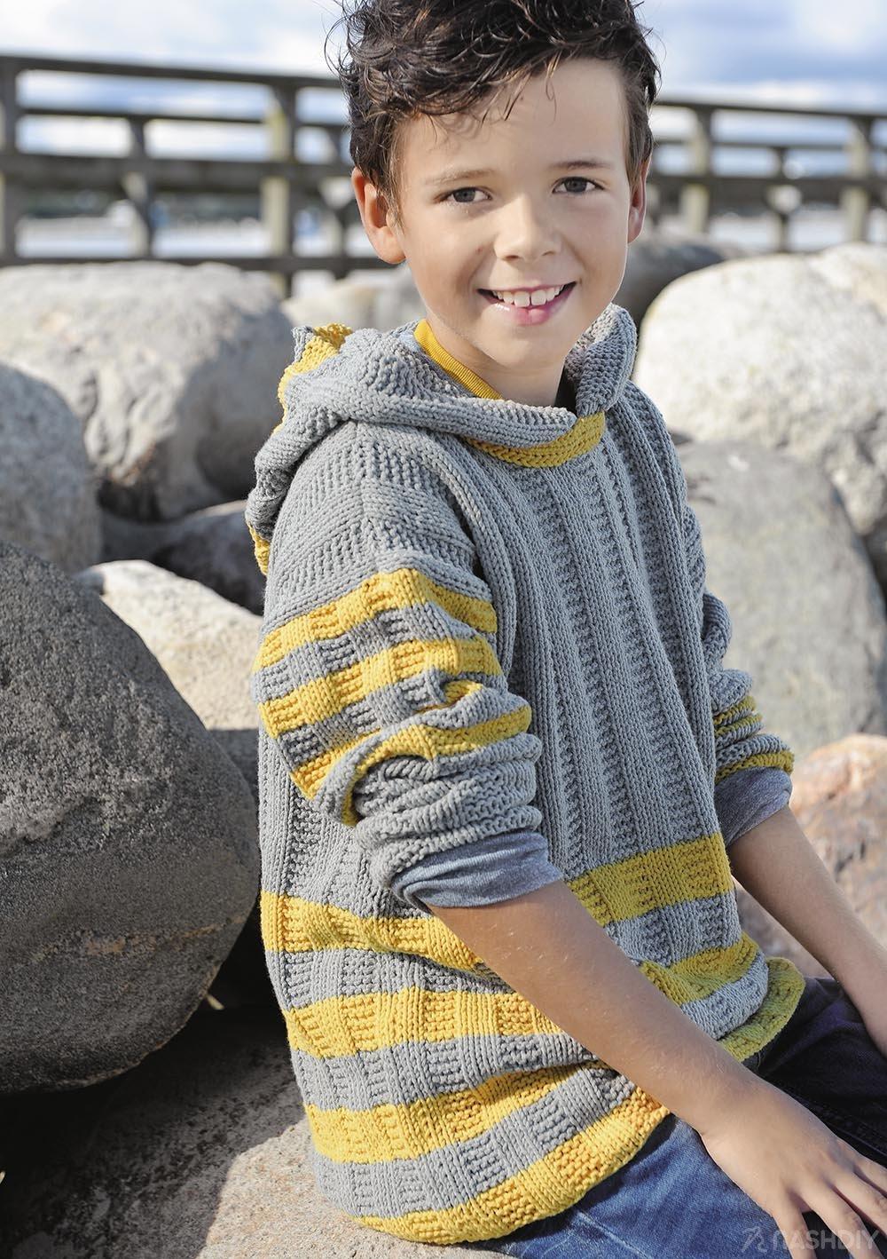 рельефный вязаный джемпер с капюшоном для мальчика