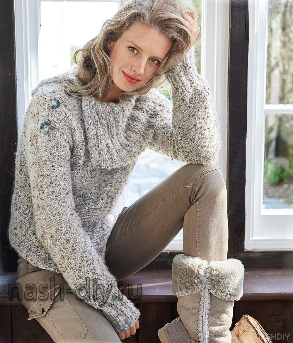 вязаный свитер спицами с застежкой на плече